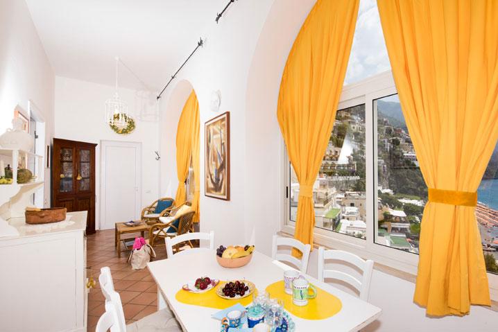 Comoda cucina appartamento in affitto Positano Mimosa